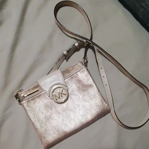 Mk crossbody authentic